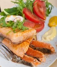 grilled-samon-filet-with-vegetables-salad.jpg