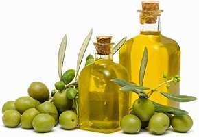 photo-of-fresh-olives-and-olive-oil.jpg