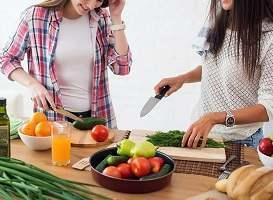 young-women-slicing-fruits.jpg