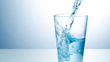 how-should-i-regulate-my-daily-water-intake.jpg